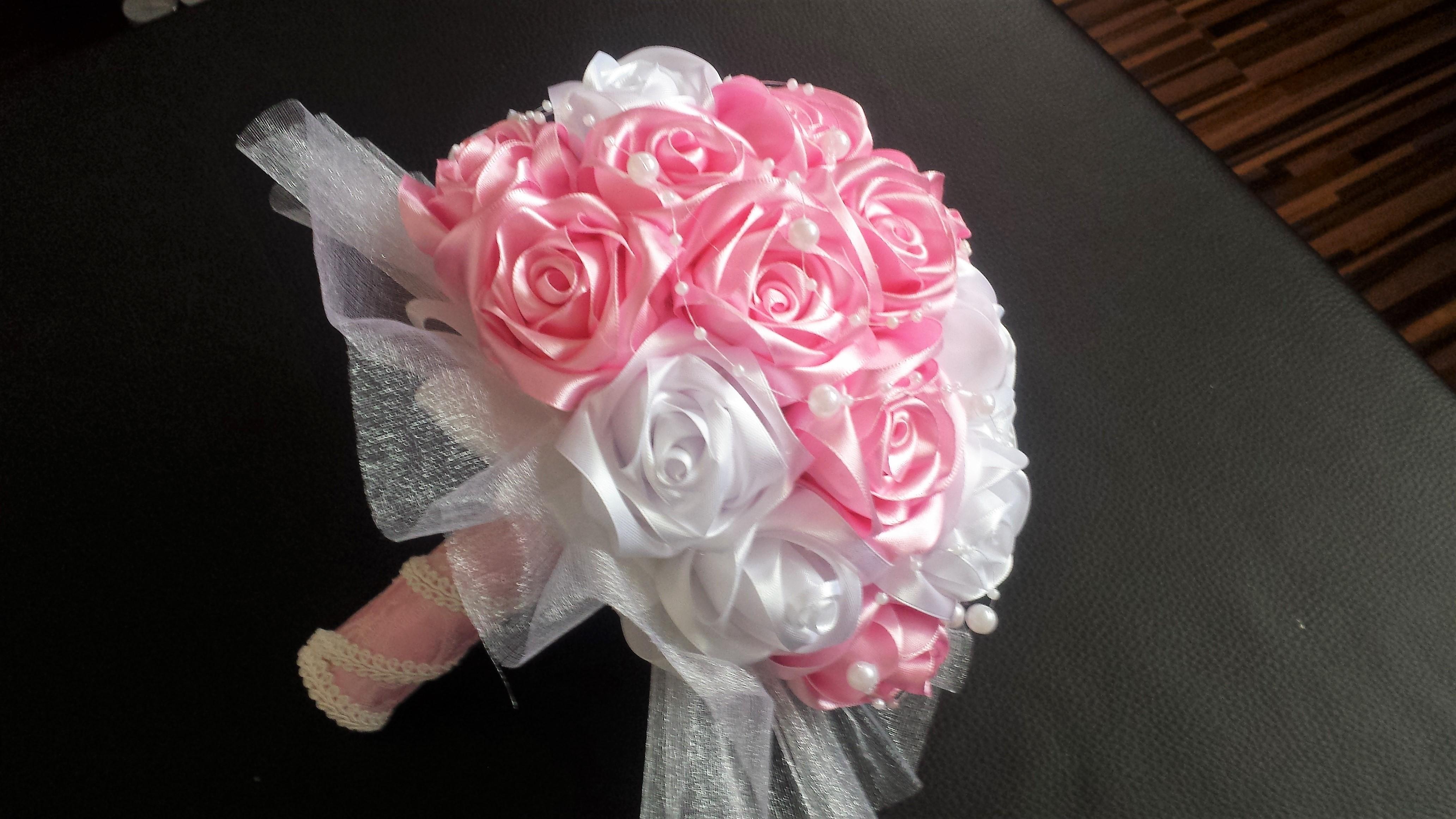 b39a517eb4 Saténová kytica biela + ružová plná ruží